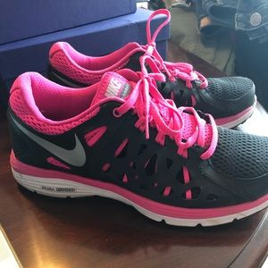 Nike women's Duo Fusion Run 2